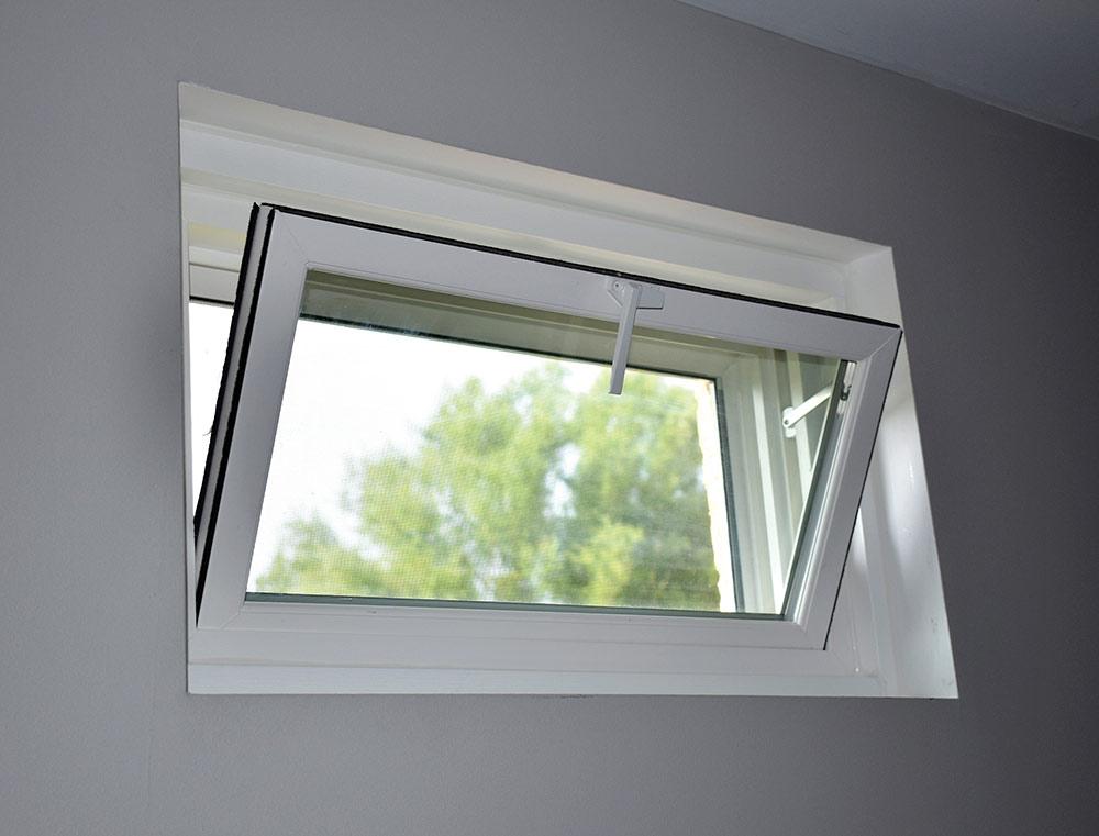 Hopper-style window